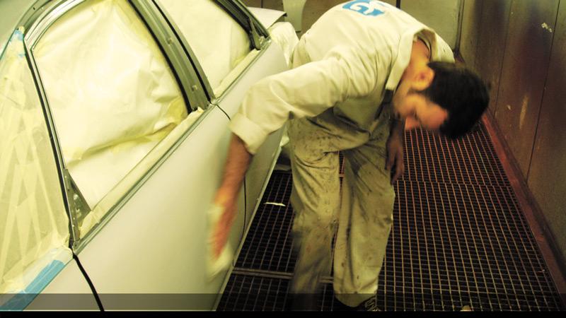 Ako prebieha príprava a lakovanie auta